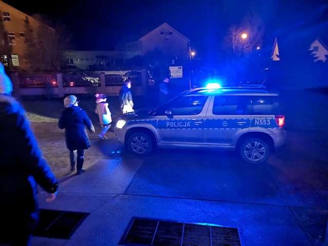 """Policjanci promowali akcję """"Świeć przykładem"""""""