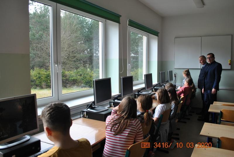 Otwarcie pracowni komputerowej w Szkole Podstawowej w Kaliskach
