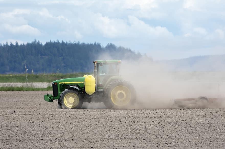 Uwaga Rolnicy! Wnioski o oszacowanie strat suszowych tylko przez aplikację