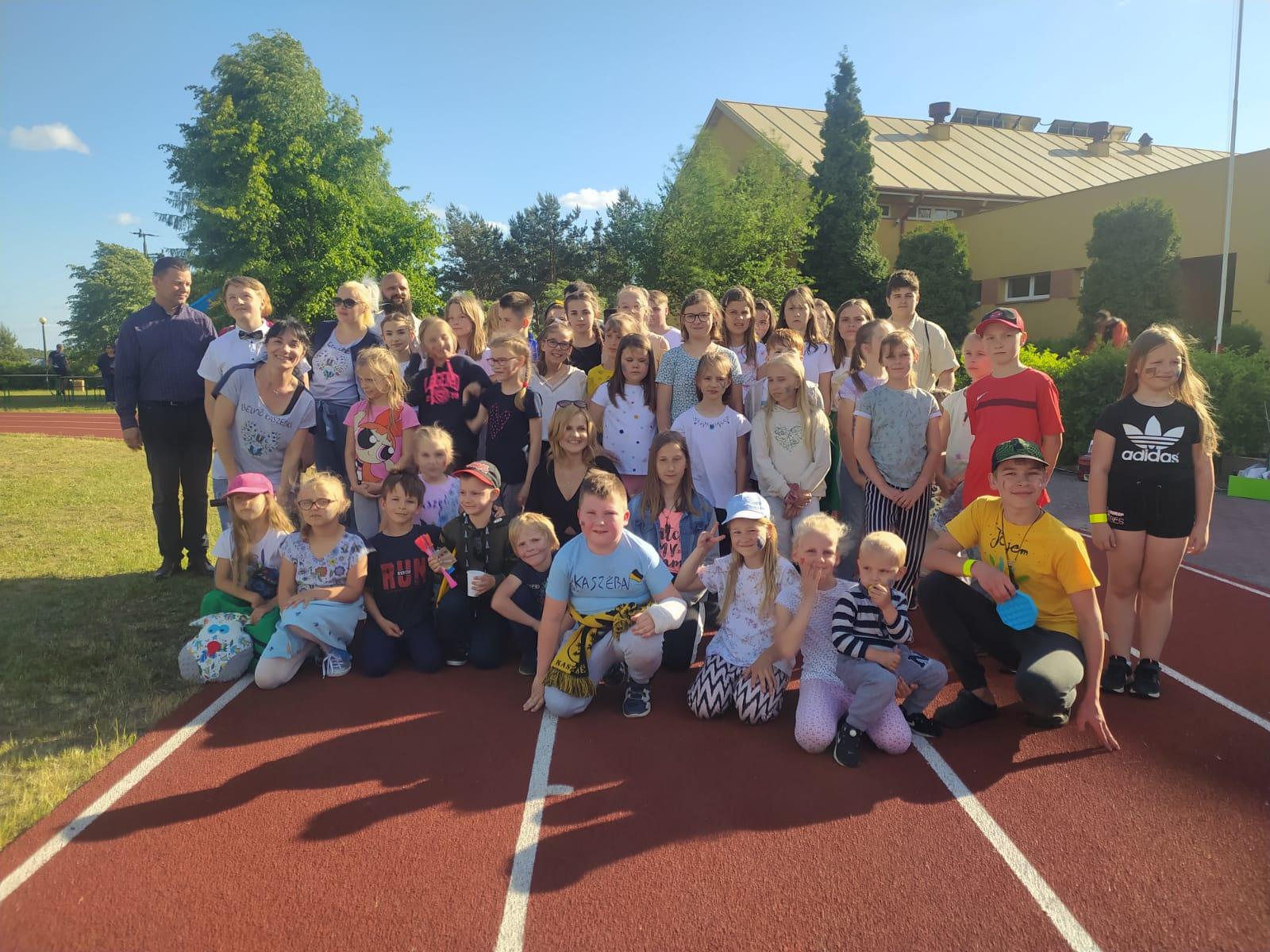 Udany Kaszubski Piknik w szkole w Łubianie