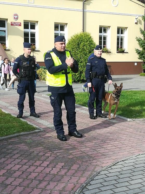 Policjanci z wizytą w szkole w Wielkim Podlesiu